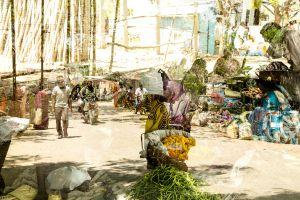 Sunday bazar 1  zomorod anisi
