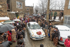 عروسی کردستان یک  از شورش مباشری