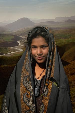 لبخند ماهو از مجید حجتی