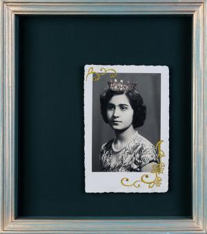 Keep Calm  I am Queen 2  Nazli Abbaspour